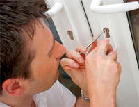 e-locksmith-picking-upvc-door-lock
